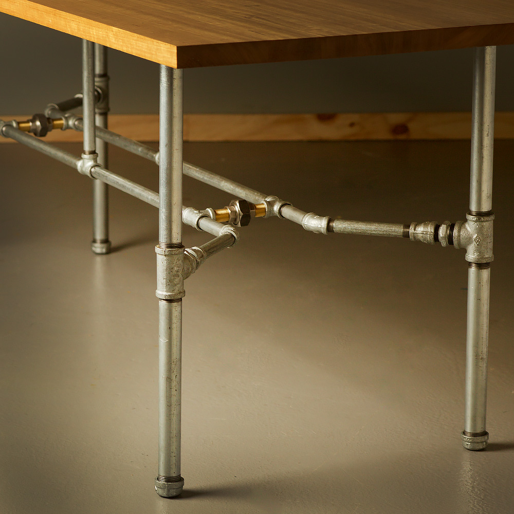 Industrial plumbing pipe dining table for Best pipes for plumbing
